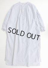 UNIVERSAL TISSU ローンストライプギャザーシャツドレス ネイビーロンスト