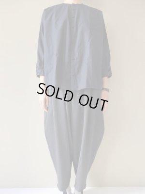 画像1:  NO CONTROL AIR コットン100/2コーマ高密ノーカラーオーバーサイズシャツ Navy